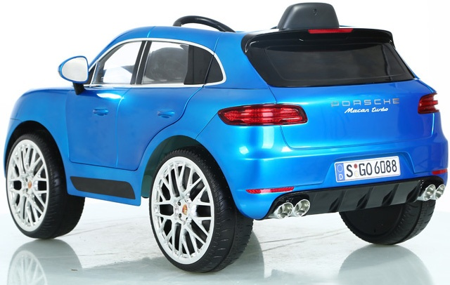 rollplay porsche macan turbo batteriefahrzeug 12 volt blau. Black Bedroom Furniture Sets. Home Design Ideas