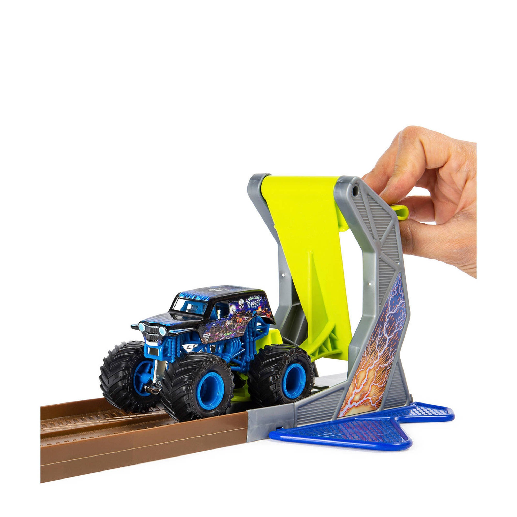 spin master monster jam: champ ramp freestyle monster truck