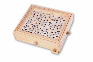 Longfield Games wooden labyrinth 35,5 x 30 cm blank