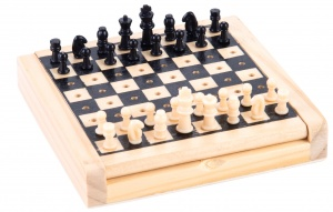 Longfield Games pocket-sized chess set 12 x 12 cm