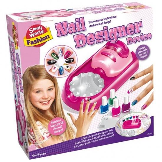 Creative Nail designer