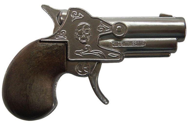 Gonher Speelgoed revolver piraten mechanich zilver