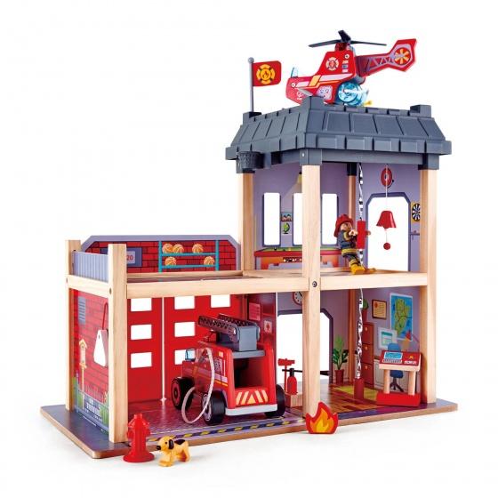 Hape Houten brandweerkazerne 48 x 60 cm rood