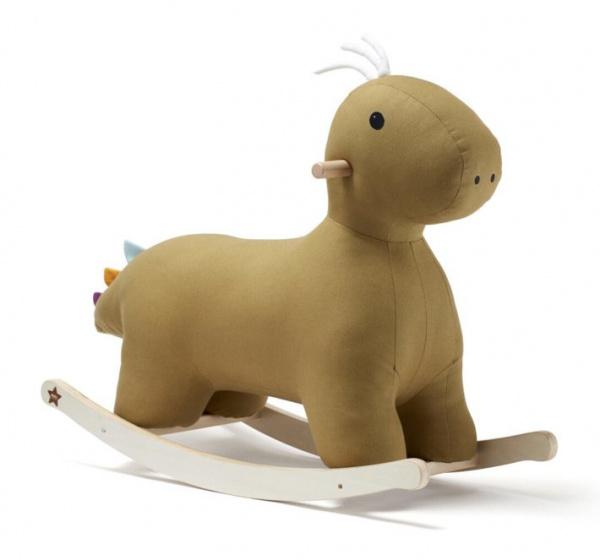 Op Penny Blossoms (fashionbabes vinden hier de beste online shops) is alles over speelgoed te vinden: waaronder kids en specifiek Kid&aposs Concept hobbelfiguur dino 74,5x71 cm katoen/hout bruin van de online shop internet-toys.com