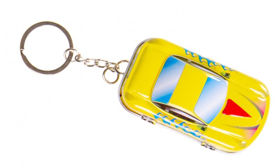 LG Imports sleutelhanger autoblikje 6,5 x 4 cm metaal geel