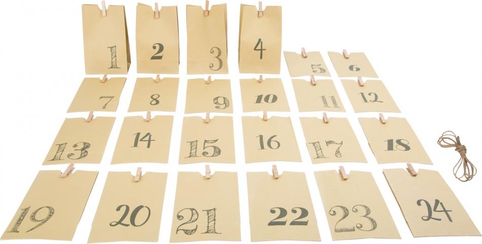 Small Foot Adventskalender papieren zakken 10 x 7 x 16 cm beige